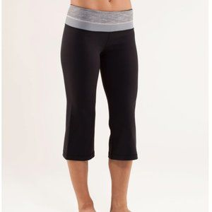 Lululemon reversible cropped groove pants size 4